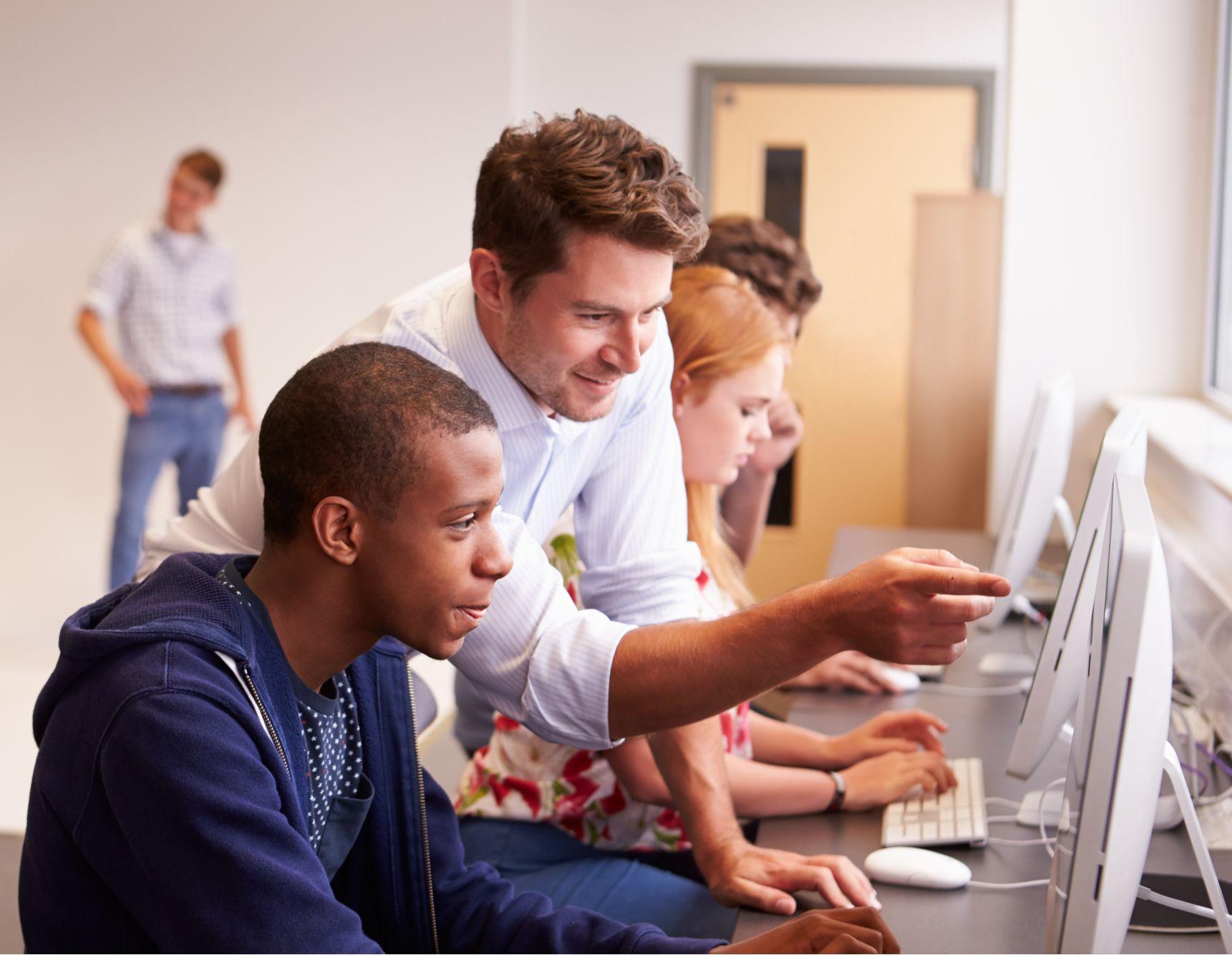 apprentissage ; alternance ; formation ; CFA ; Cerfal ; UFA ; entreprises partenaires ; certification Qualiopi, contrat d'apprentissage, contrat alternance, expertise, taux de réussite, employeur, insertion professionnelle, insertion sociale, prépa-apprentissage